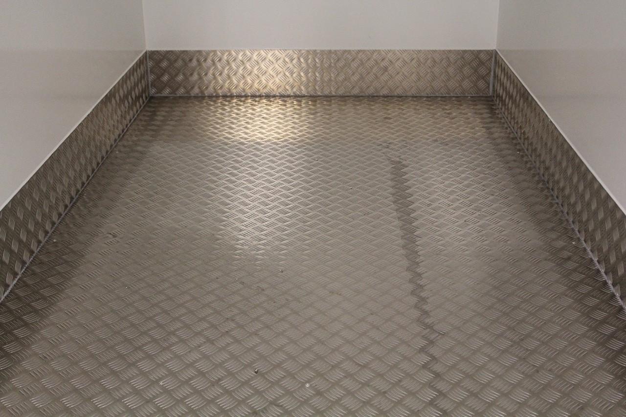 Aluminium-Warzenblech