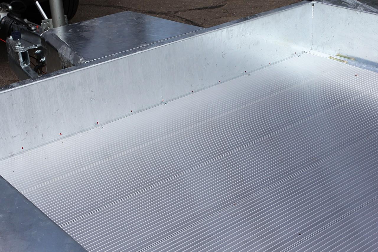 Aluminium floor