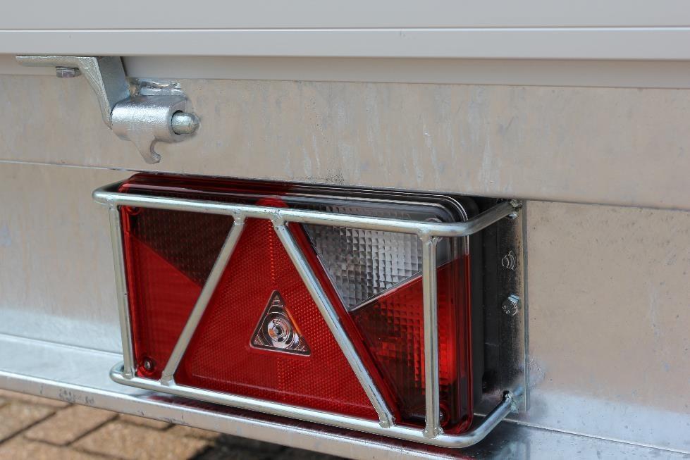 Protection des feux arrière